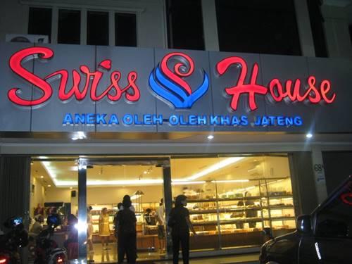 toko roti di semarang swiss